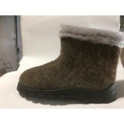 Felt short boots with polyurethane soles