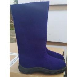 Felt boots violet polyurethane soles